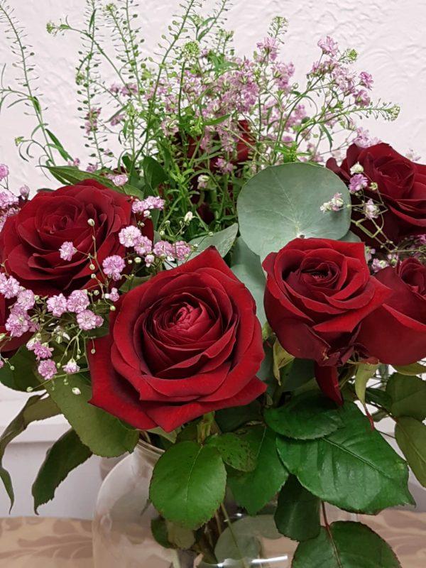 romantic red rose bouquet